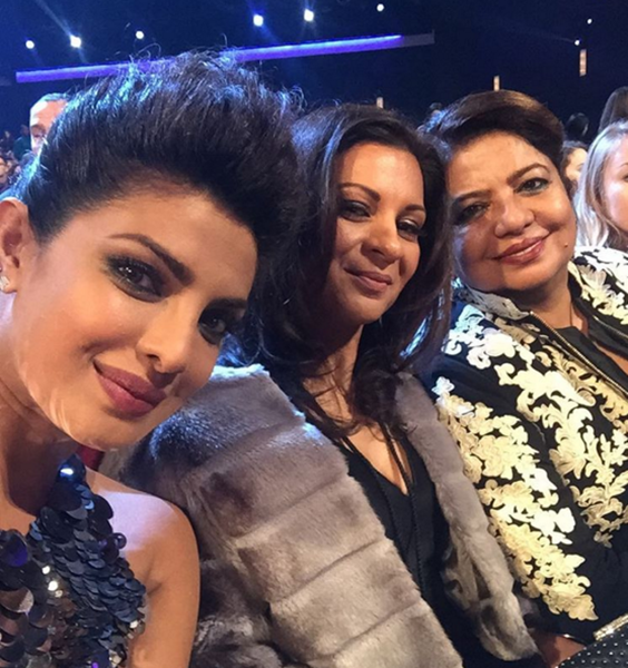 """""""Quantico"""" star Priyanka Chopra attended the 42nd People's Choice Awards with entrepreneur Anjula Acharia and her mother Madhu Chopra."""