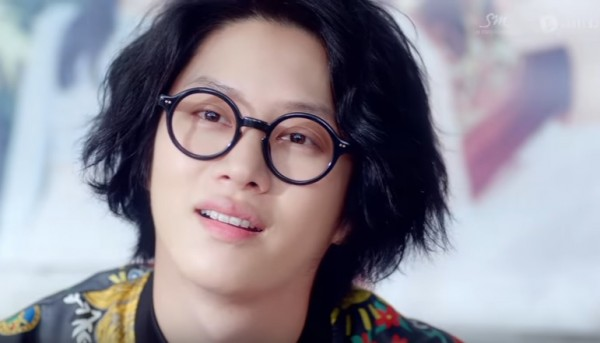 """Super Junior's Heechul in the official music video of """"Ulsanbawi."""""""