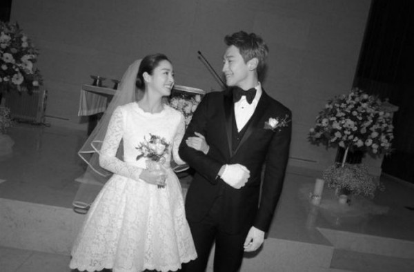 Kim Tae Hee and Rain all smiles on their wedding day last January. 19.