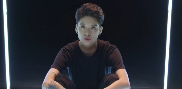 f(x)'s Amber in the official music video of 'Borders.'