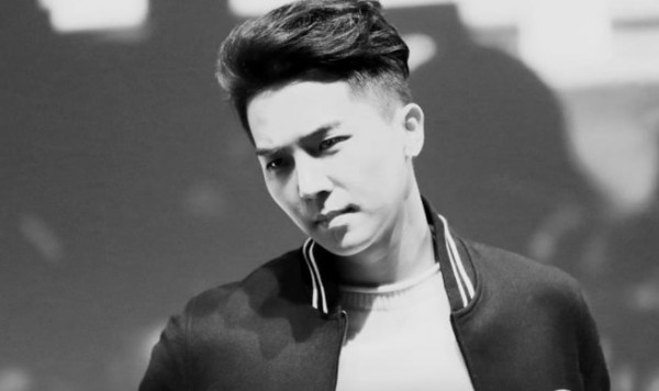 WINNER's Mino suffers from neck injury amidst comeback preparations.