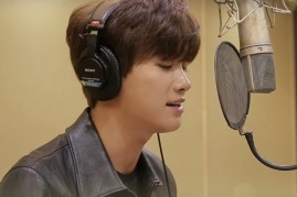 Idol-turned-actor Park Hyung Sik singing the official soundtrack of 'Hwarang.'